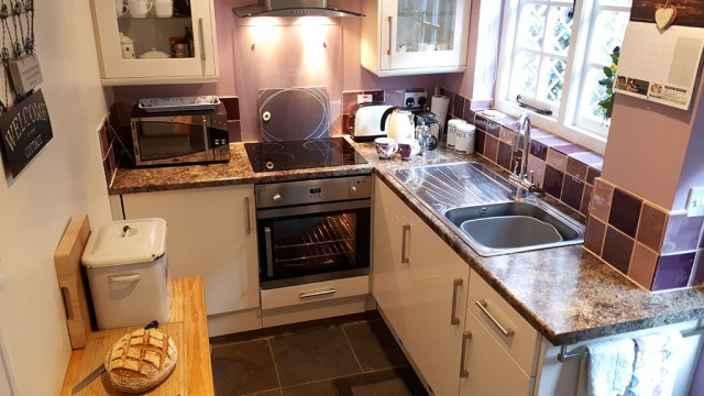 19 Upper Linney Kitchen